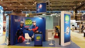 """Le stand de la fédération avec """"Gagnons Rio"""" qui est la grande opération nationale de soutien à l'Équipe de France Handisport, sous forme de tombola."""